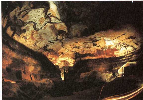 art history hall of bulls and Hall of the bulls, cave of altamira spain (bison), cave at pech-merle france (spotted horses), chauvet cave, catal hoyuk turkey.